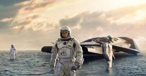 Credit: http://www.hollywoodreporter.com/heat-vision/interstellar-has-gorgeous-posters-ever-734367 via: thr.com/ Paramount Pictures