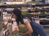 via: http://bravotopchef.tumblr.com/post/105130980226/padma-probably-has-people-shopping-for-her-at