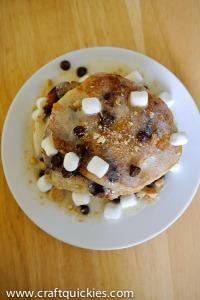 via: http://www.bombshellbling.com/smores-saturdays-smores-pancakes/